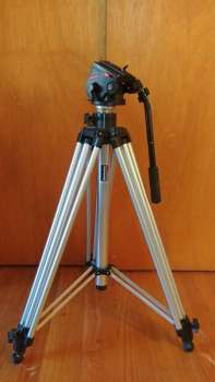 Manfrotto Model 3046 tripod 139$
